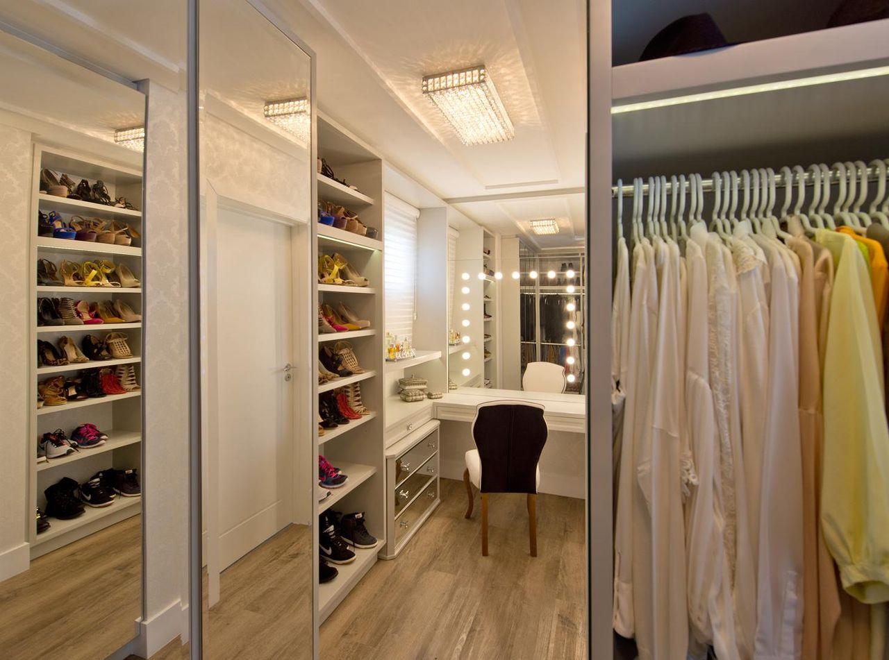 Closet Com Cadeira De Espa O Do Tra O Arquitetura 105583 No Viva  ~ Cadeiras Modernas Para Quarto E Quarto Com Closet E Suite