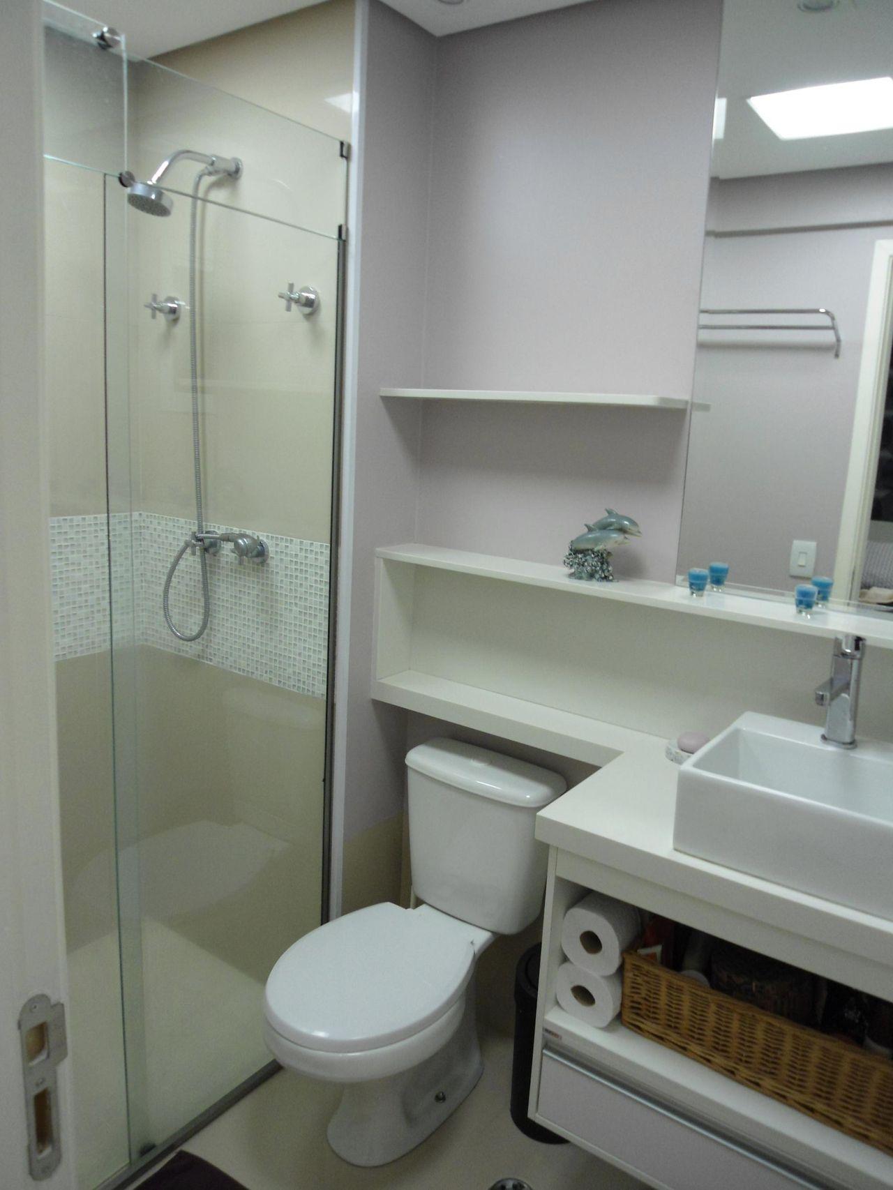Banheiro com acabamento em Pastilha de Juliana Cristina  61121 no Viva Decora -> Banheiro Simples Pastilha