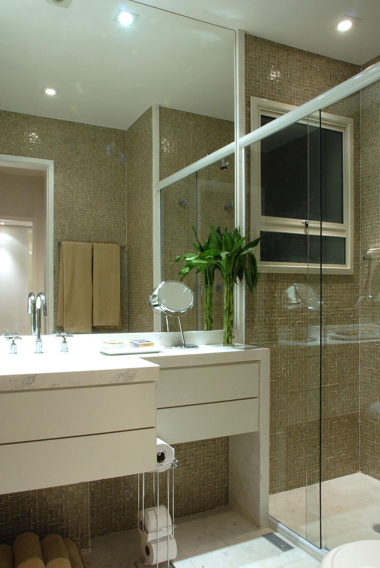 Banheiro com Pastilhas Marrom de Teresinha Nigri  821 no Viva Decora -> Banheiro Com Pastilha Marrom