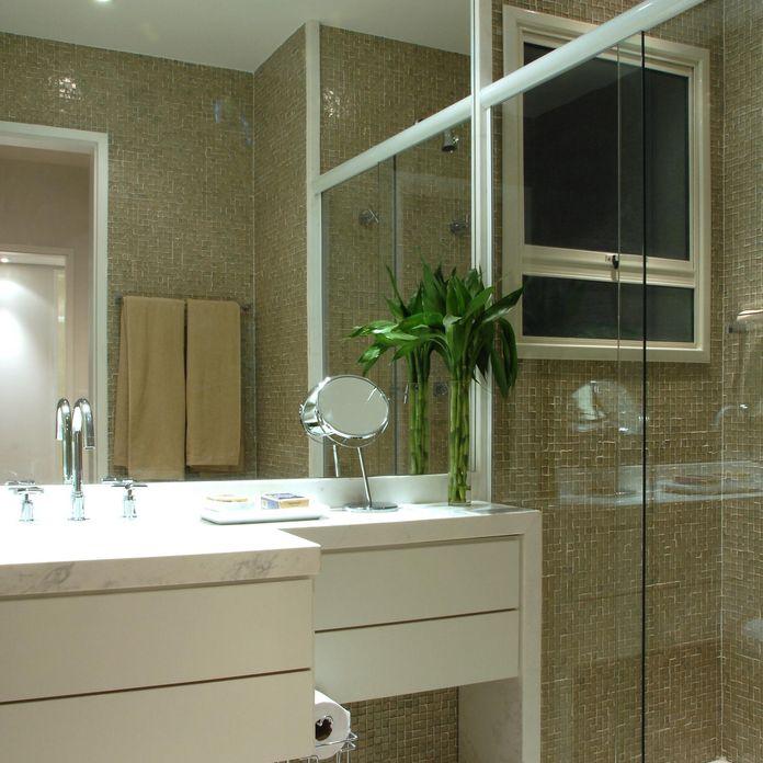 Banheiro com Pastilhas Marrom de Teresinha Nigri  821 no Viva Decora -> Banheiro Simples Suite