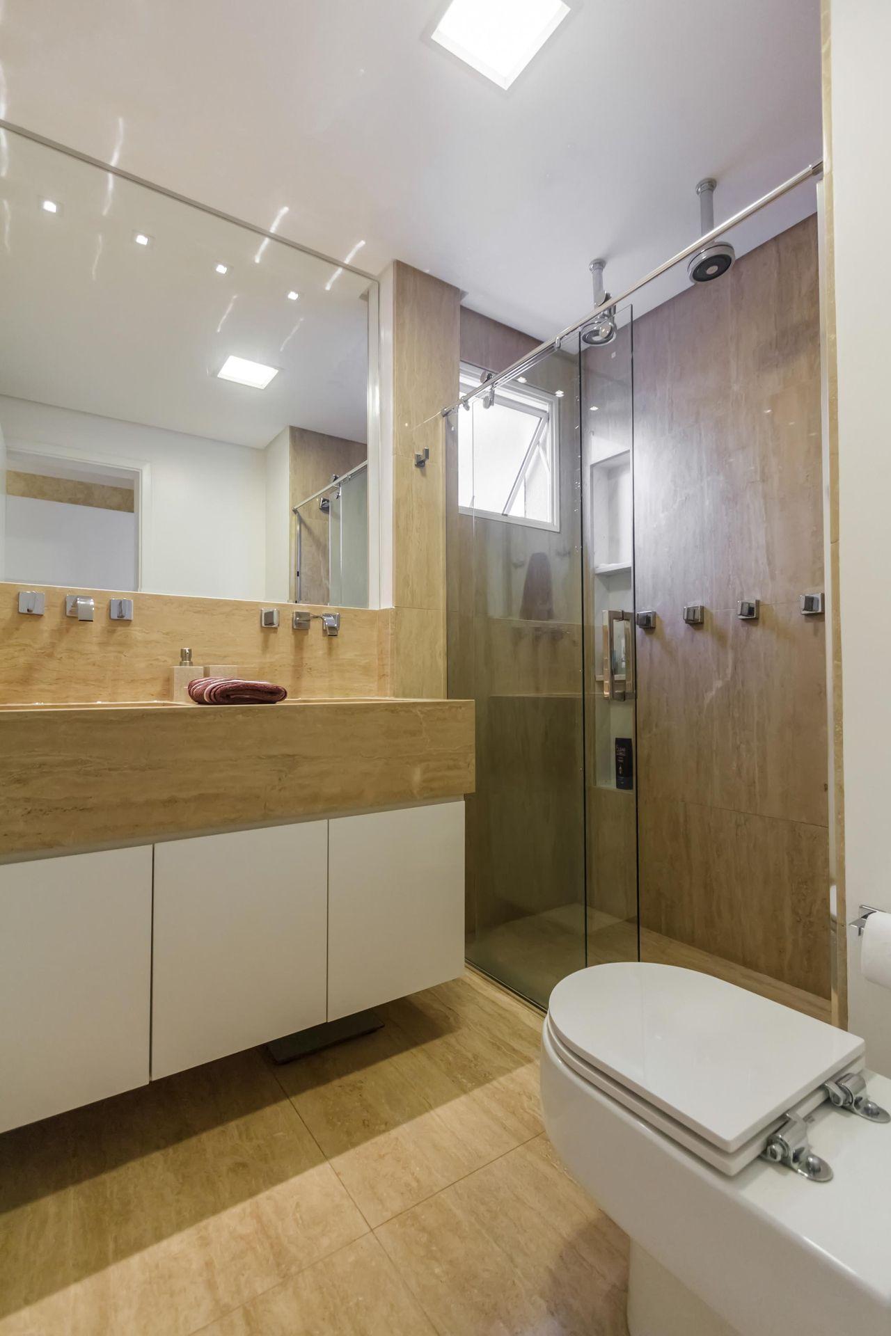 Banheiro com piso de Porcelanato de Fernanda Duarte  64514 no Viva Decora -> Banheiro Simples Suite