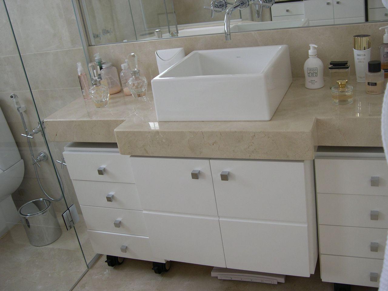 Banheiro Simples Com Banheiro Neutro Com Cuba De Sobrepor Quadrada Brunete Fraccaroli 150044 Viva Decora