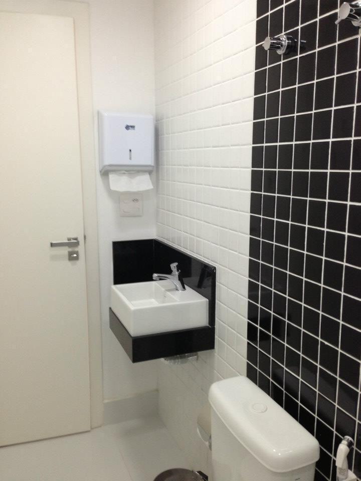 Muito Banheiro pequeno de Serra Vaz Arquitetura - 30854 no Viva Decora EH37