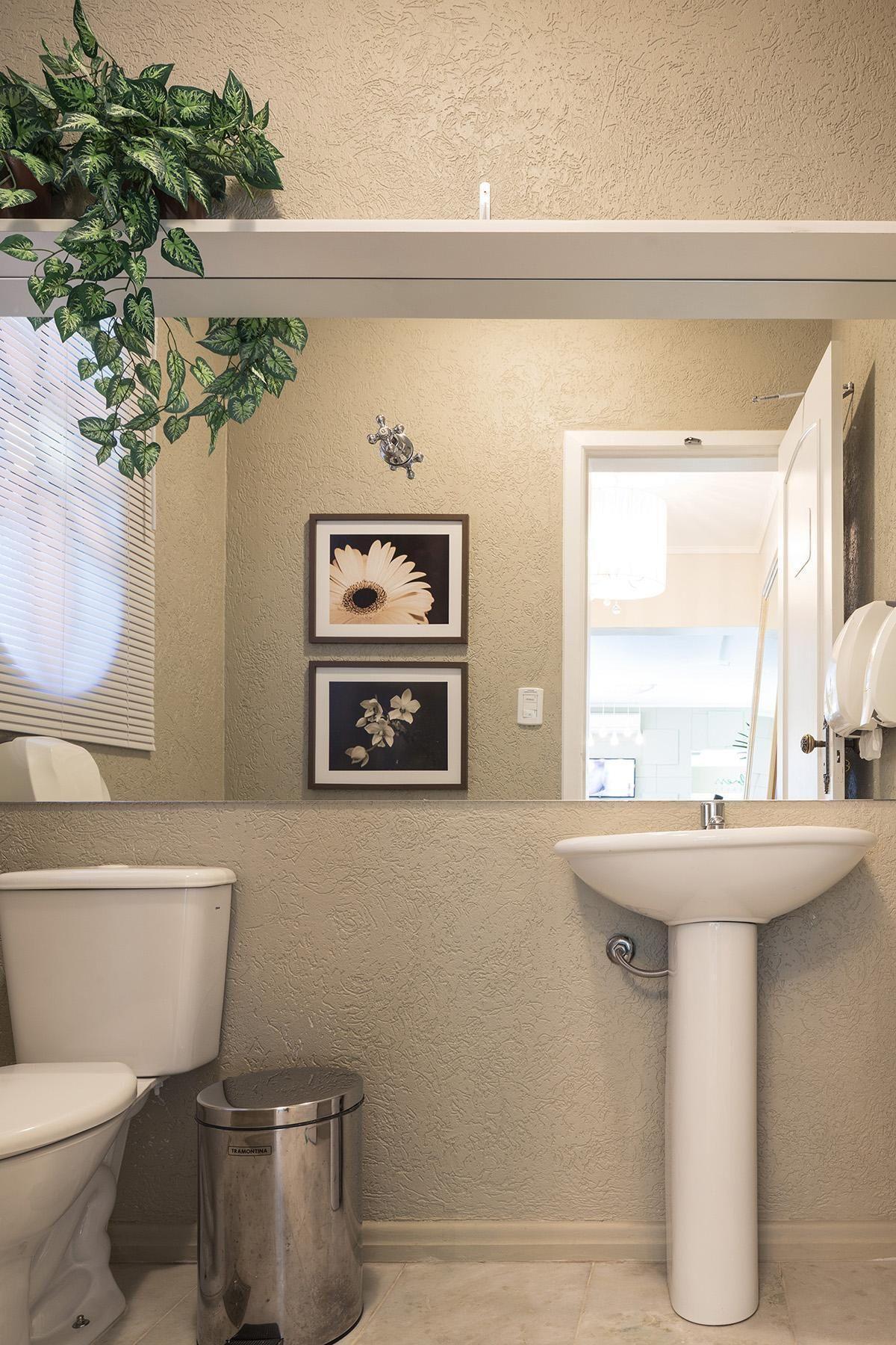 Banheiro Pia Branca de Ambientta Arquitetura  20588 no Viva Decora -> Pias Banheiro Simples