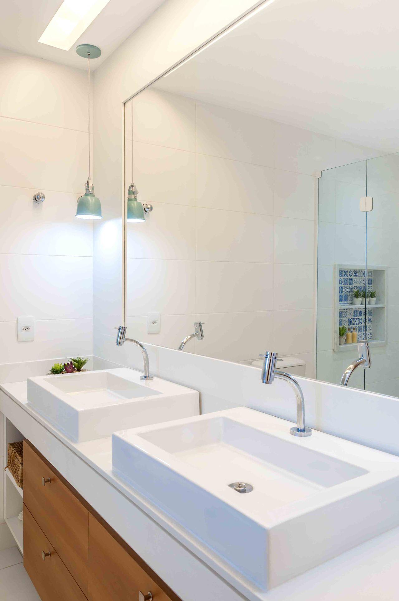 7ccbba7850 Decoração Banheiro simples Banheiro om duas cubas avnerposner 178730