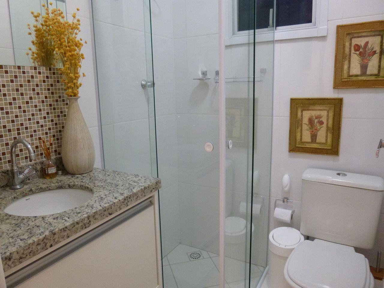 Pastilha Marrom de Thomas Barros  45820 no Viva Decora -> Banheiro Simples Com Pastilhas Marrom