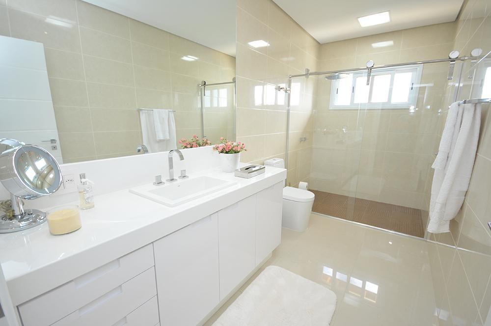 Pia de mármore branco e box de vidro de Belissa Corral  20703 no Viva Decora -> Pia De Marmore Para Banheiro Branco