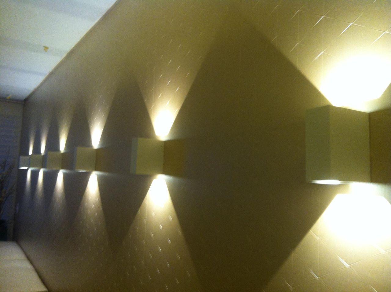Favoritos Parede com iluminação Fixa de Larissa Vinagre - 44367 no Viva Decora YF07