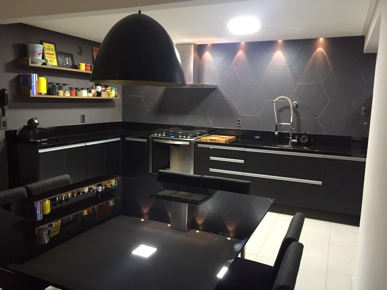 Cozinha Moderna Cinza Em Escuro Com Preto De Rovana Daleprane