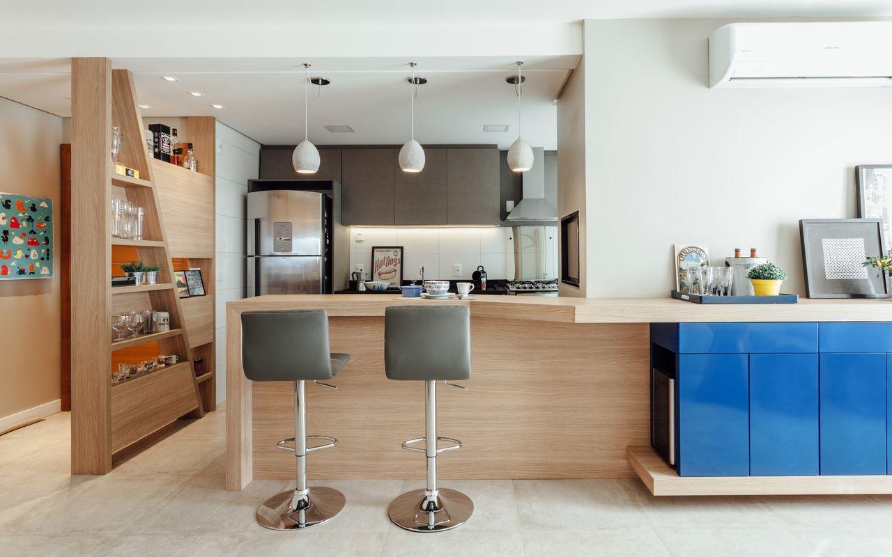 Cozinha Americana Clean Com Estante Assim Trica De Ambientta