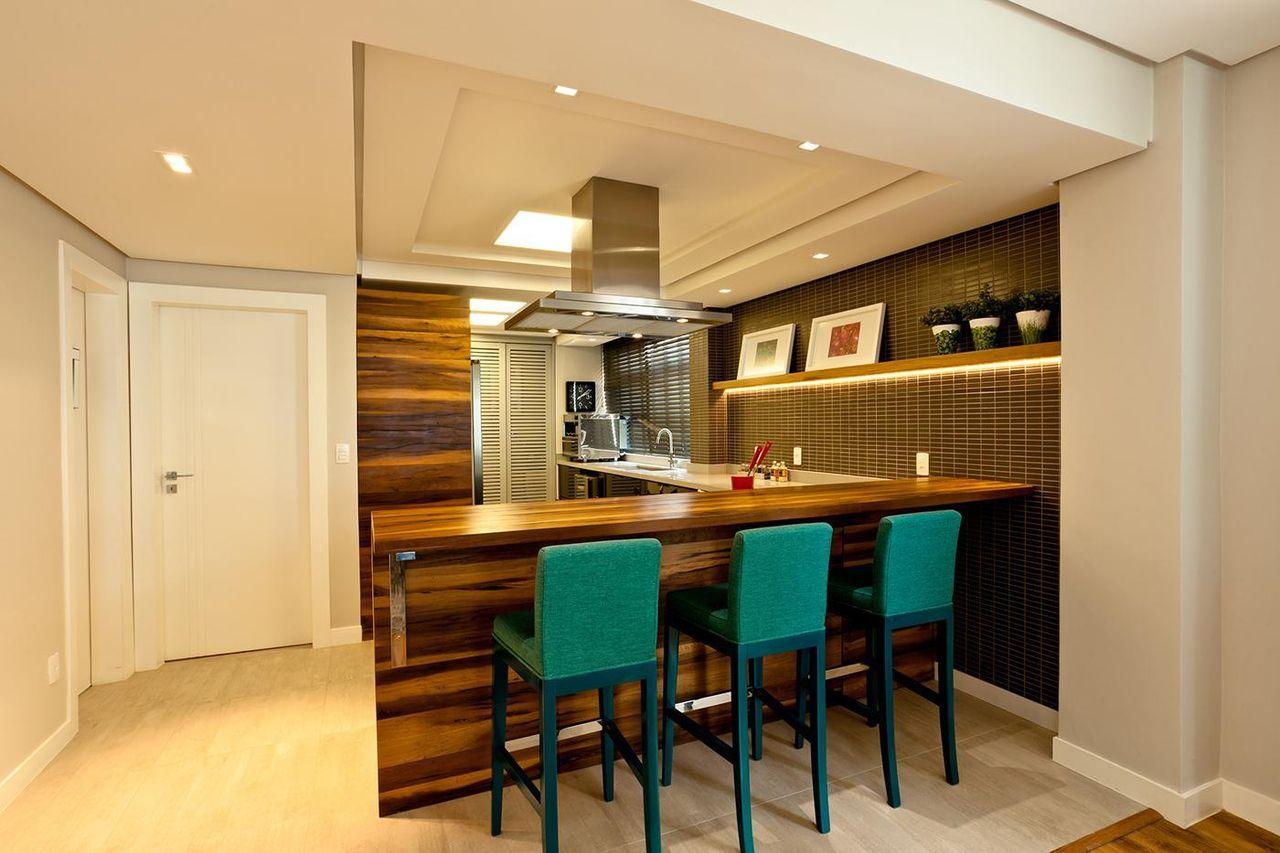 Cozinha Americana Com Bancada De Madeira E Banquet De Juliana  ~ Cozinha Americana Em Madeira