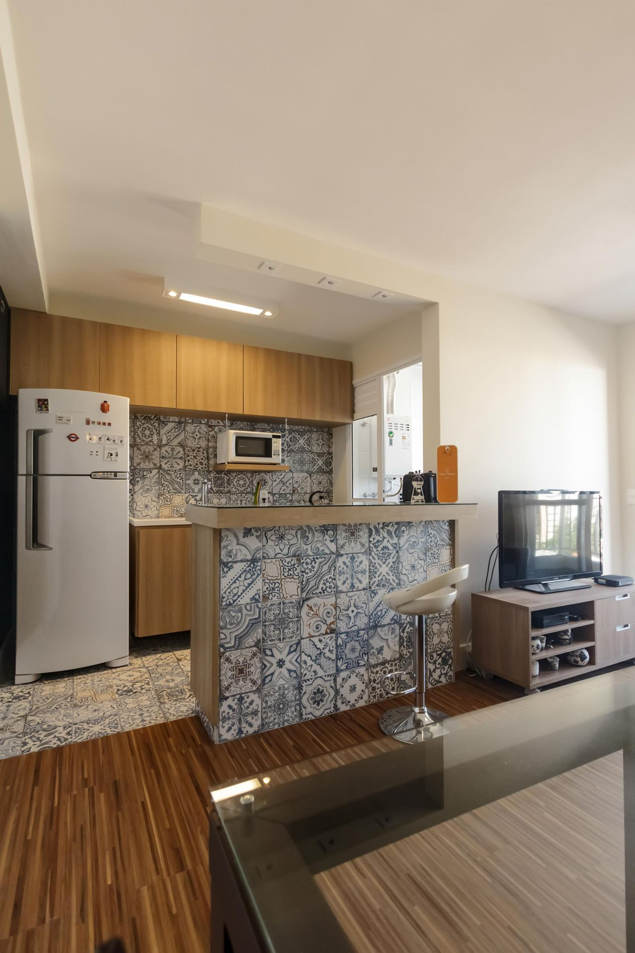 Cozinha Americana Com Bancada De Madeira De Fernanda Duarte  ~ Cozinha Americana Em Madeira