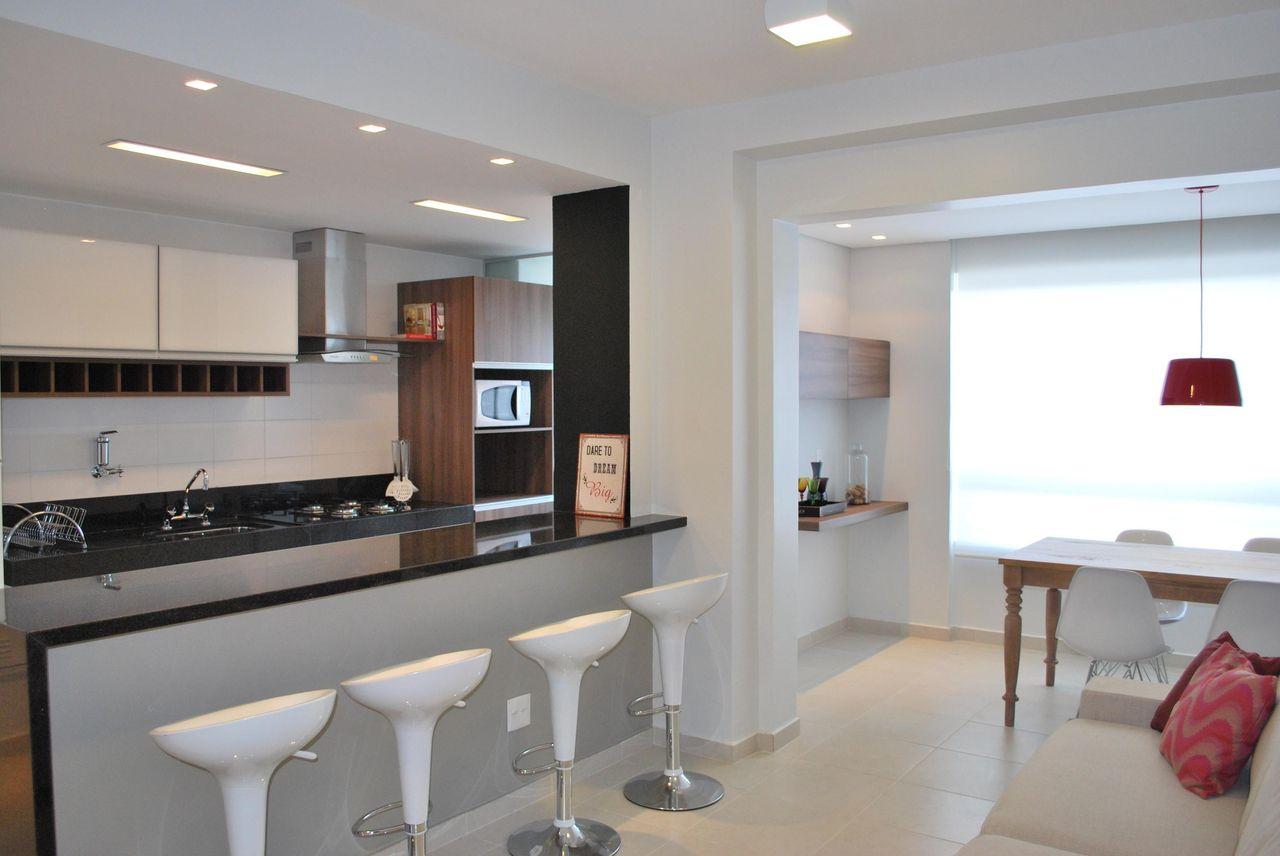 Cozinha Americana Com Banqueta Branca De Amis Arquitetura Design