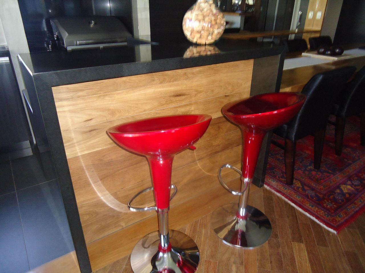 Cozinha Americana Com Banqueta Vermelha De Leandra Saldanha 46928