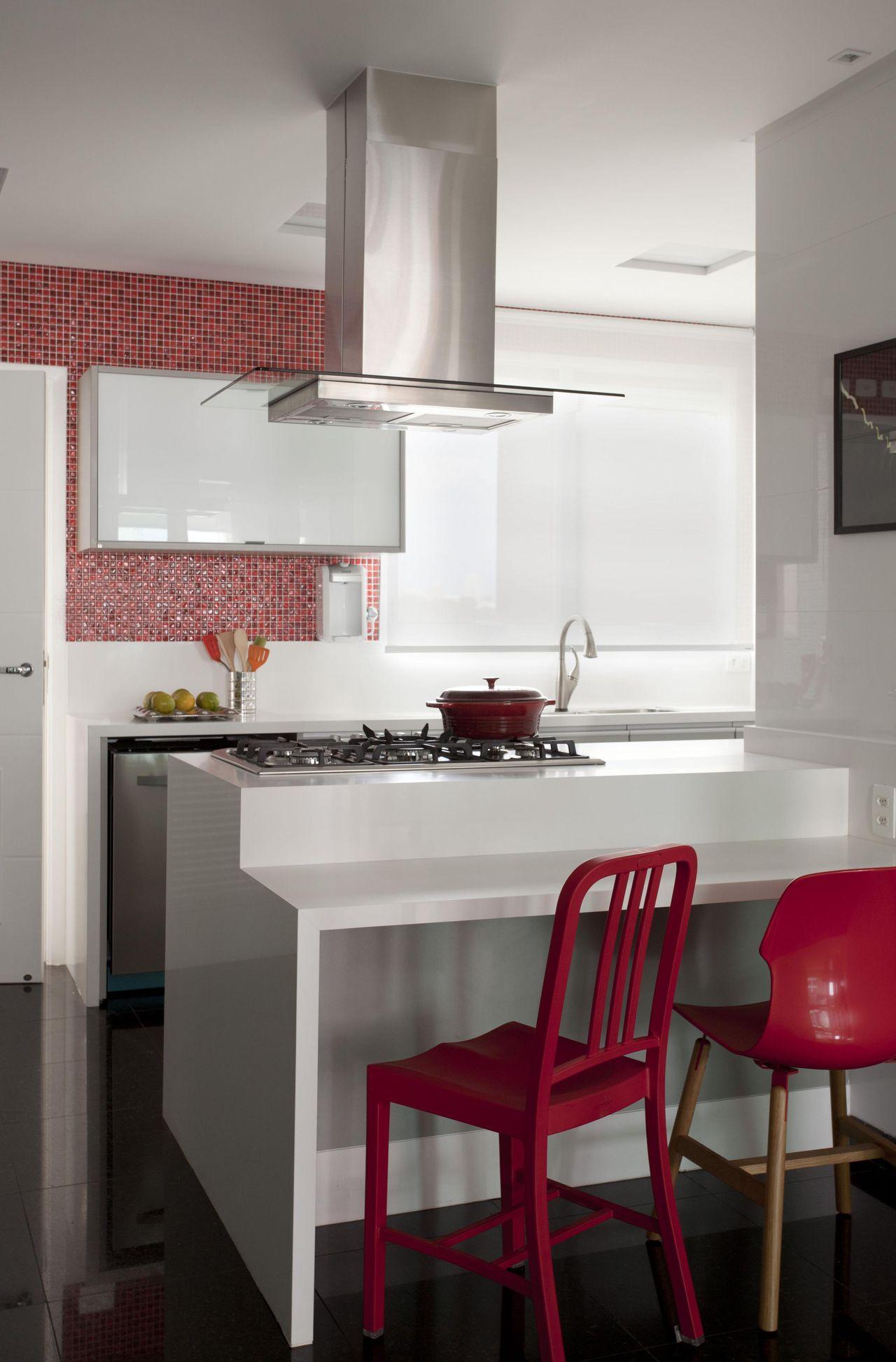Cozinha Americana Com Cadeiras Vermelha De Rica Salguero 65566 No