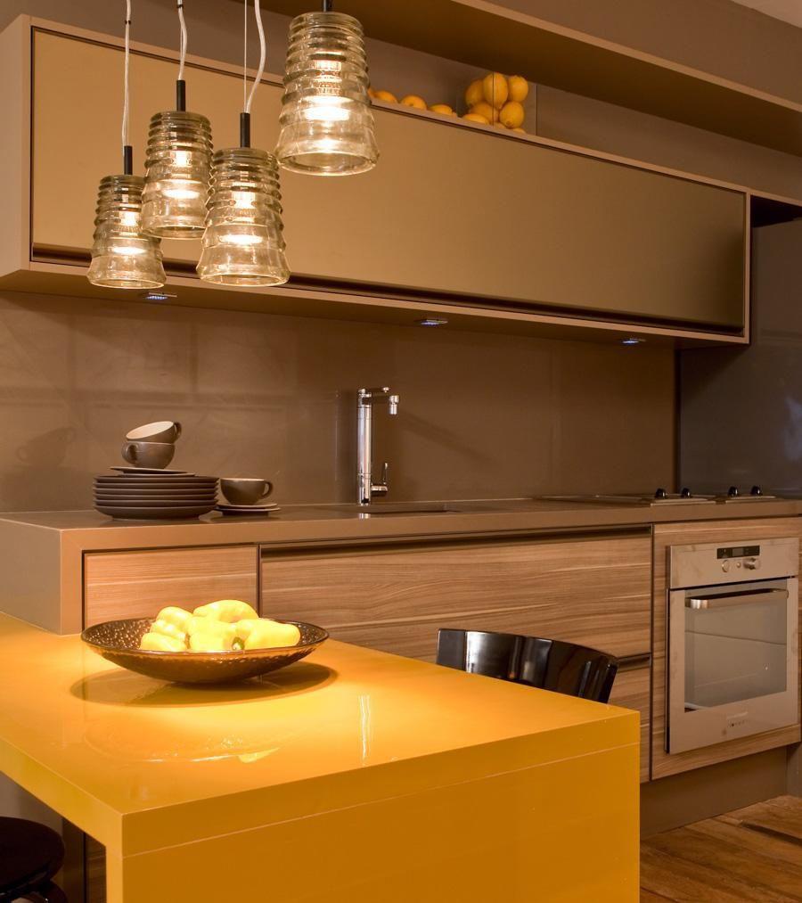 Cozinha Americana Com Mesa Amarela De Mar Lia Veiga 88079 No Viva