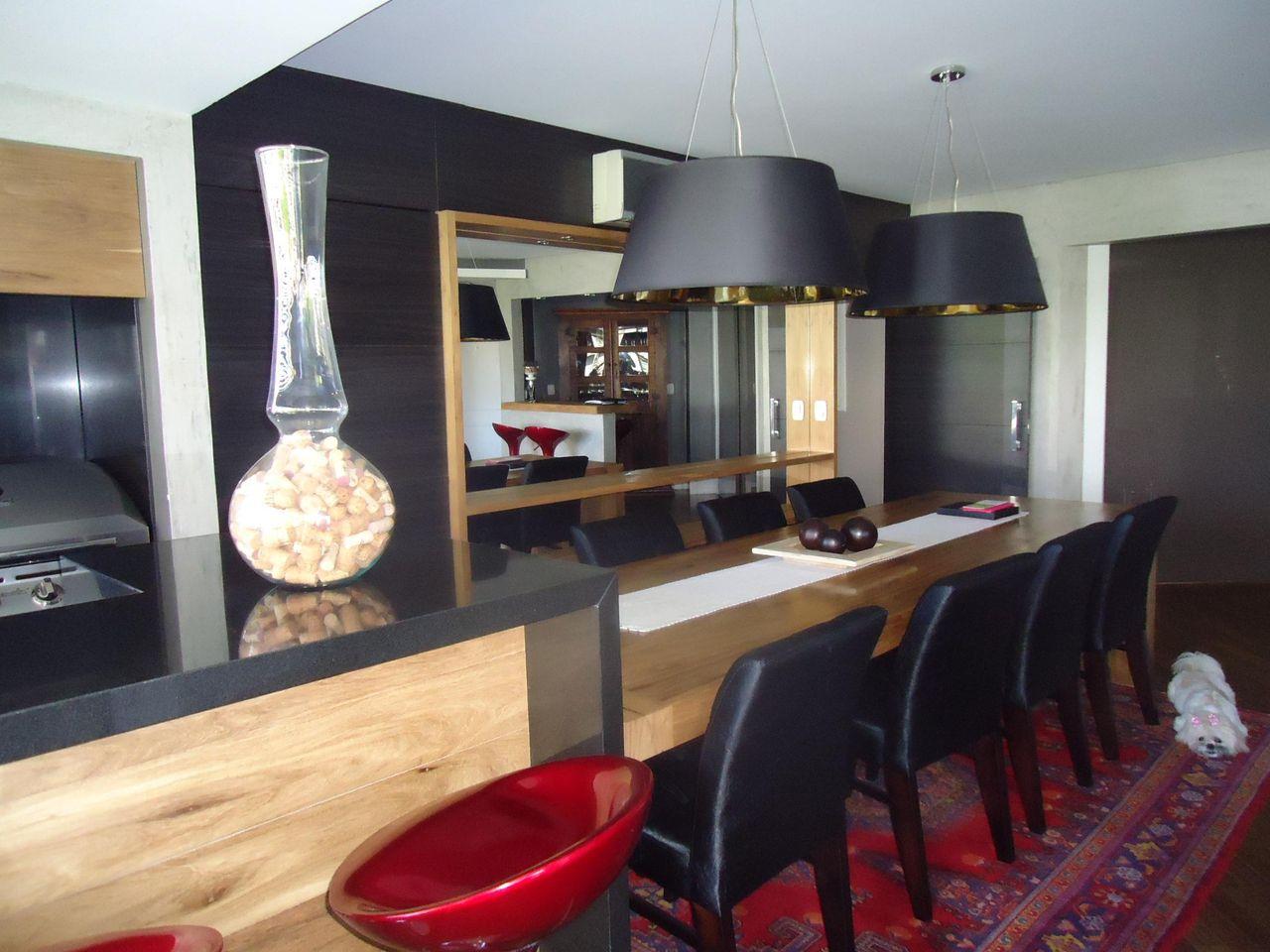 Cozinha Americana Com Mesa Quadrada E Cadeiras Pre De Leandra