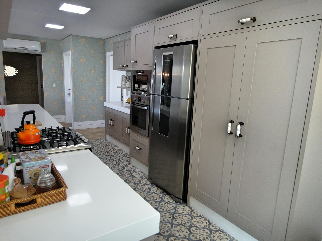 Cozinha Americana Com Papel De Parede Azul De Gabriela Herde 92625