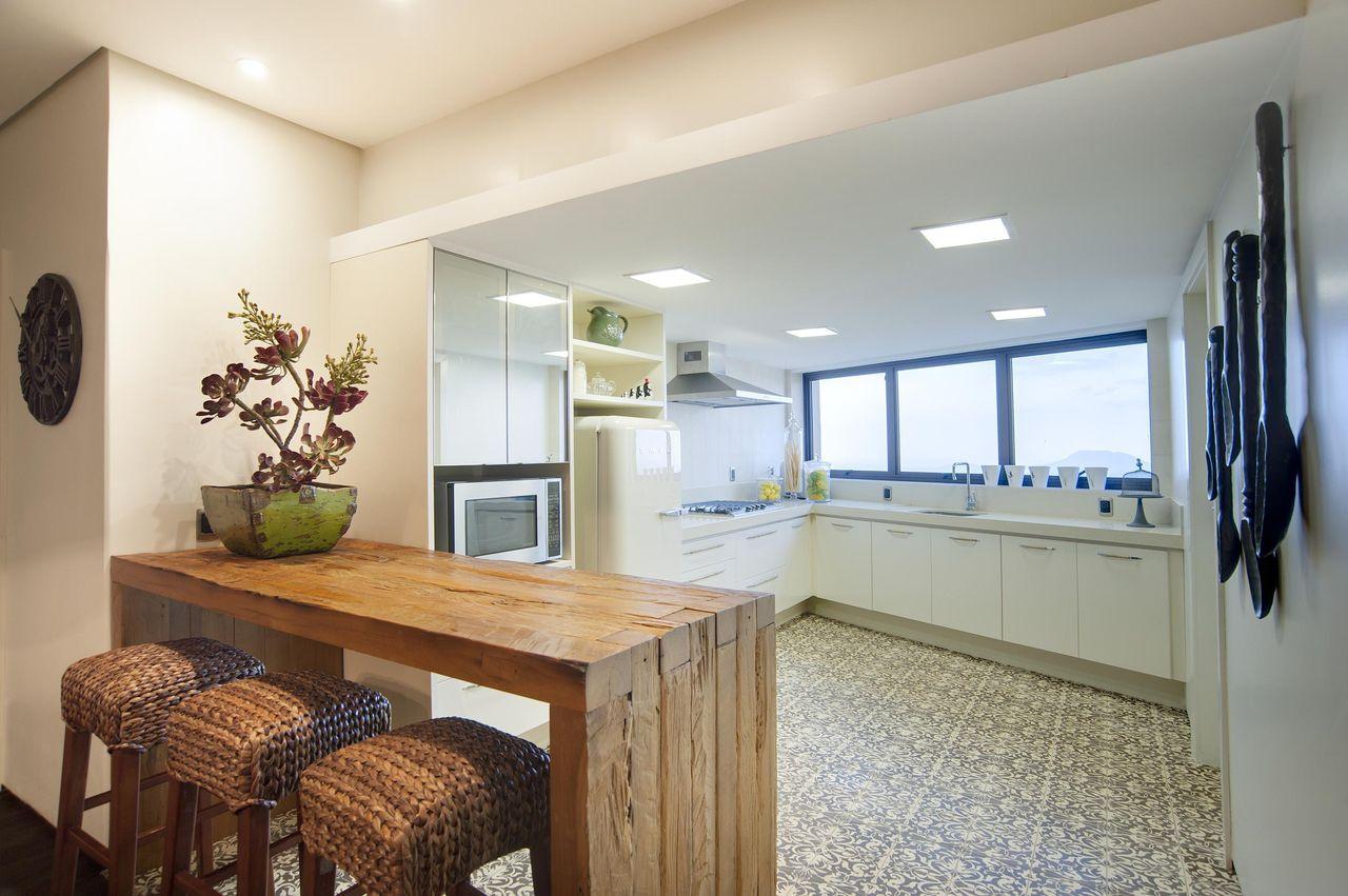 Cozinha Branca Com Janela Azul De Eduarda Corr A 77609 No Viva Decora