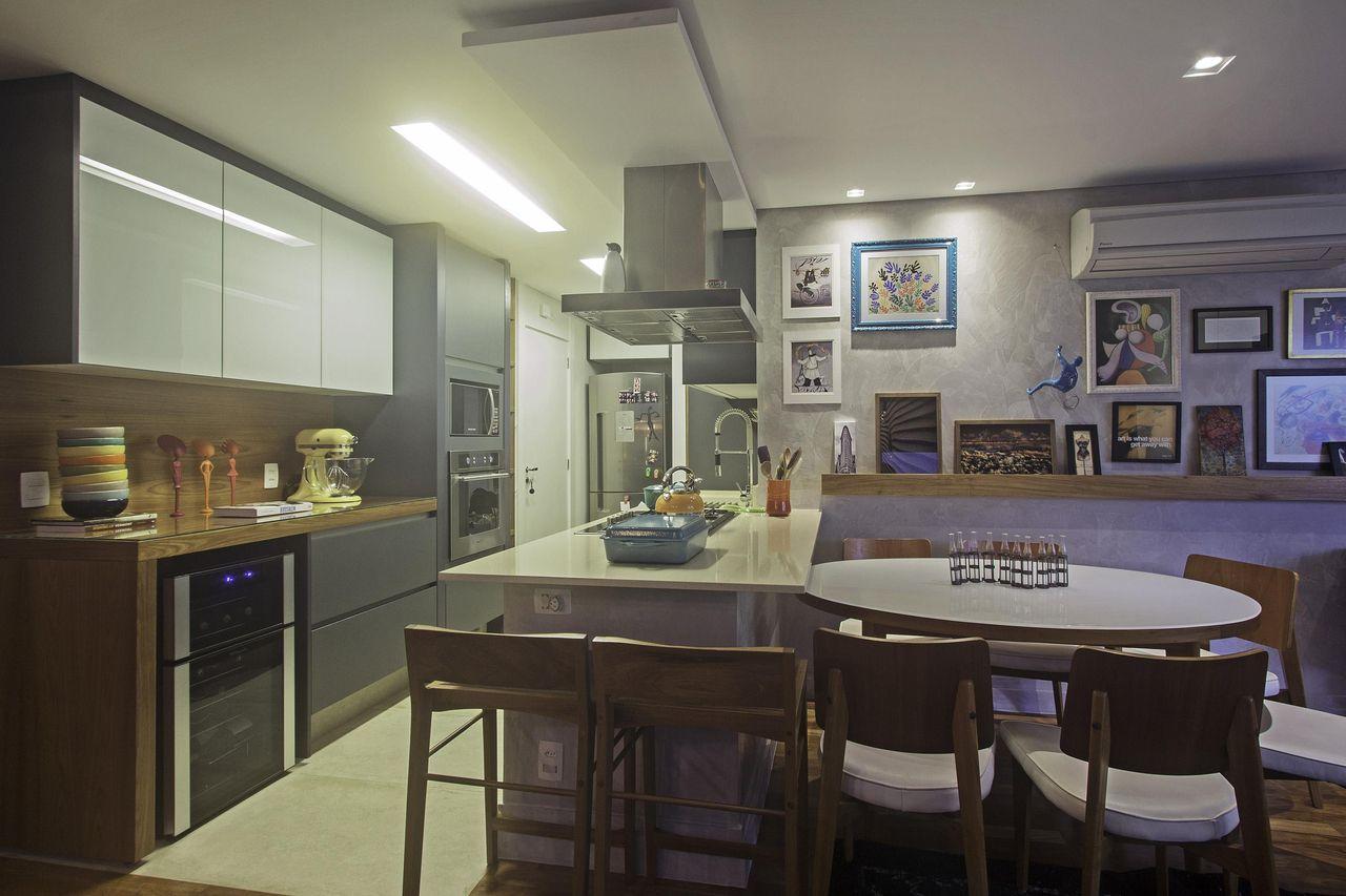 Cozinha Com Cadeira De Madeira De Andrea Teixeira Fernanda