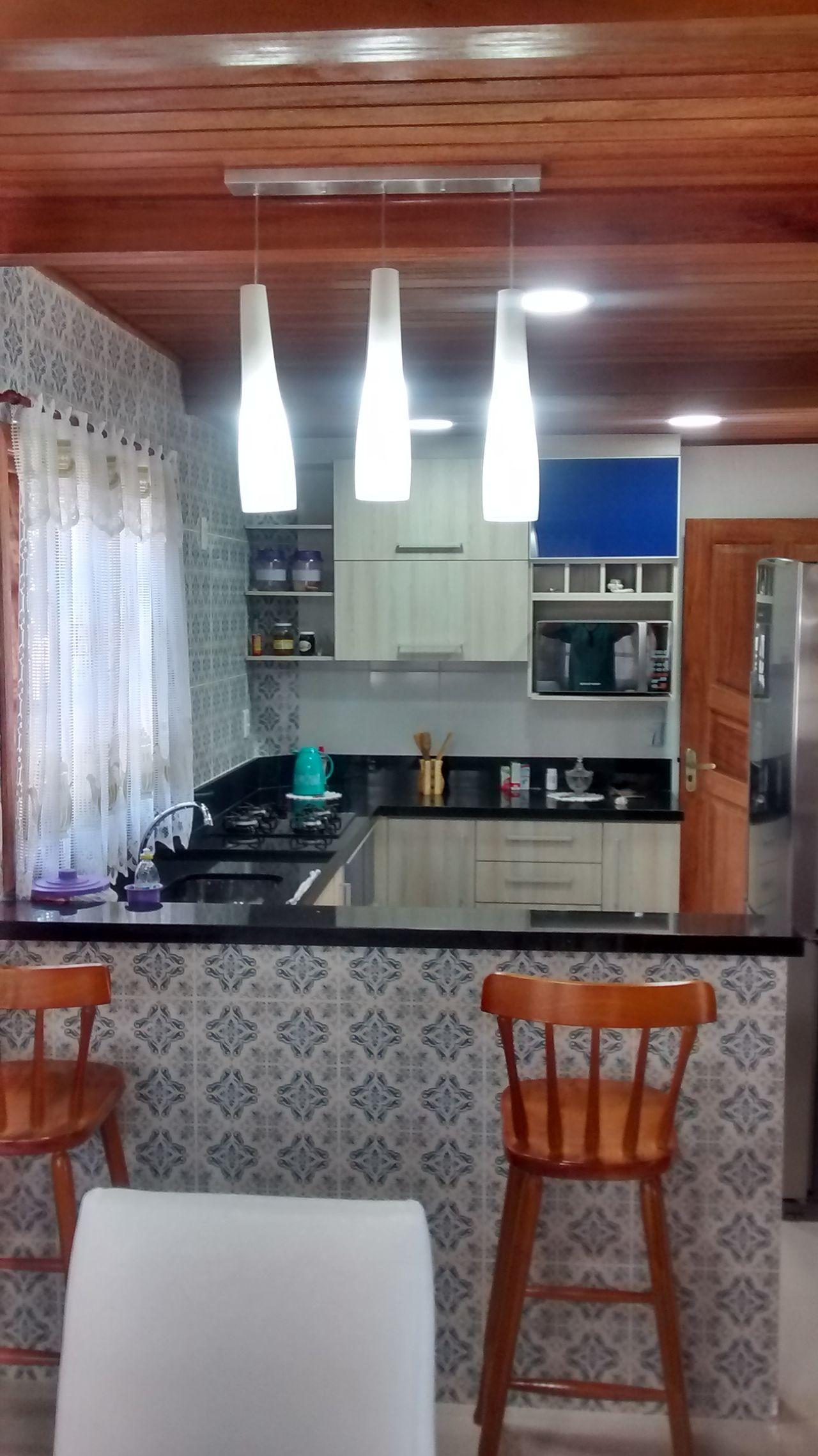 Cozinha Com Revestimento De Azulejo Decorativo De Reinaldo Gon Alves