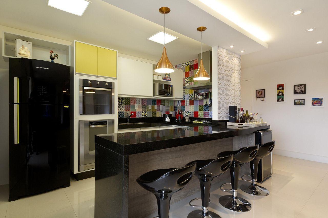 Geladeira Preta De Juliana Conforto 13826 No Viva Decora ~ Modelos De Cozinha Com Balcão