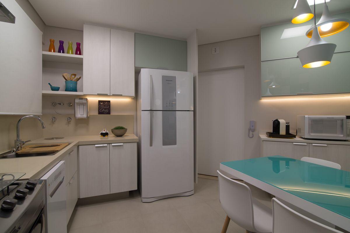 Cozinha Clean Com Toques De Cor E Luz Led De Ingridrosiennichols