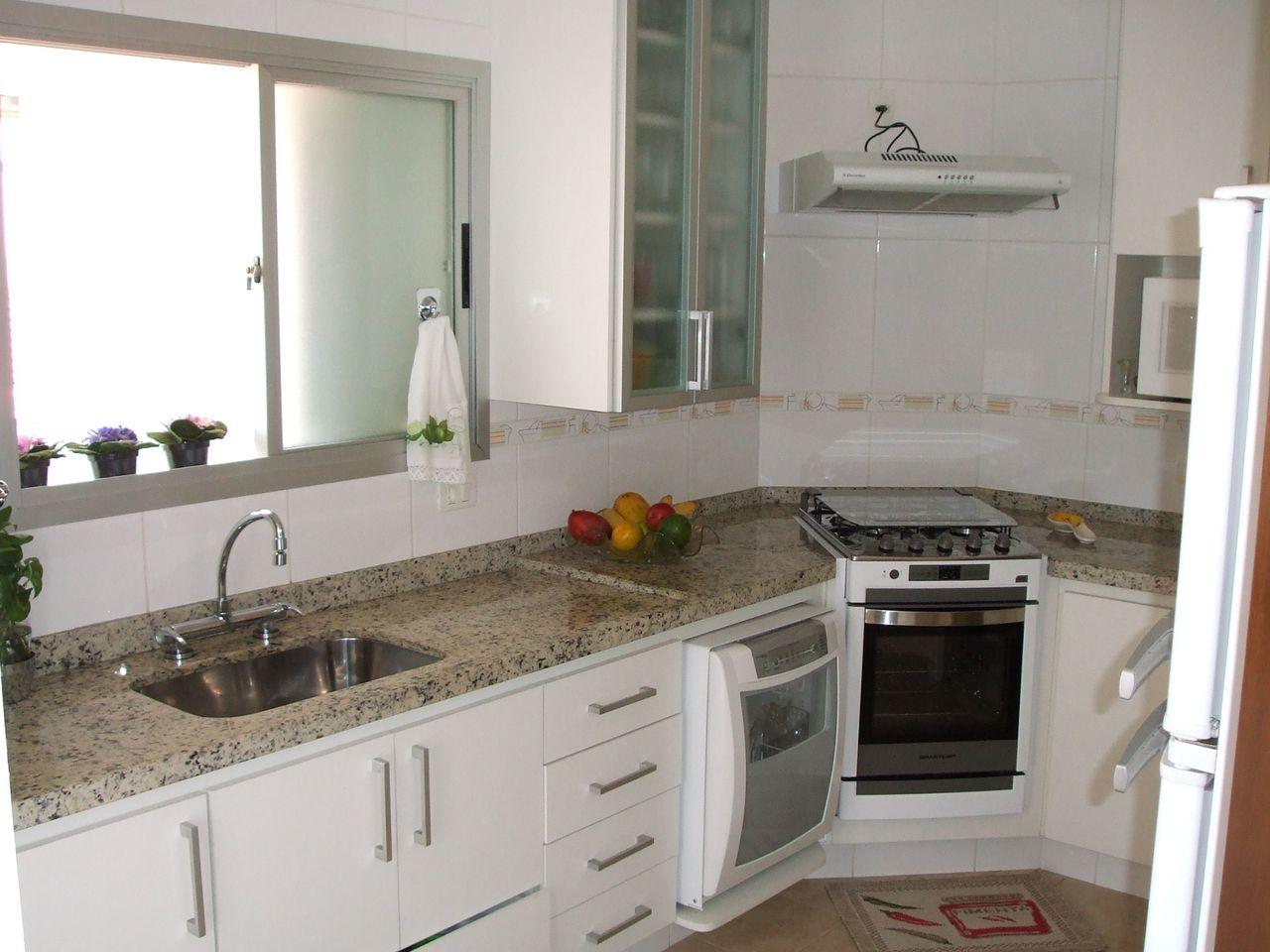 Cozinha Branca Com Bancada De Granito De Andre Camargo 151823 No