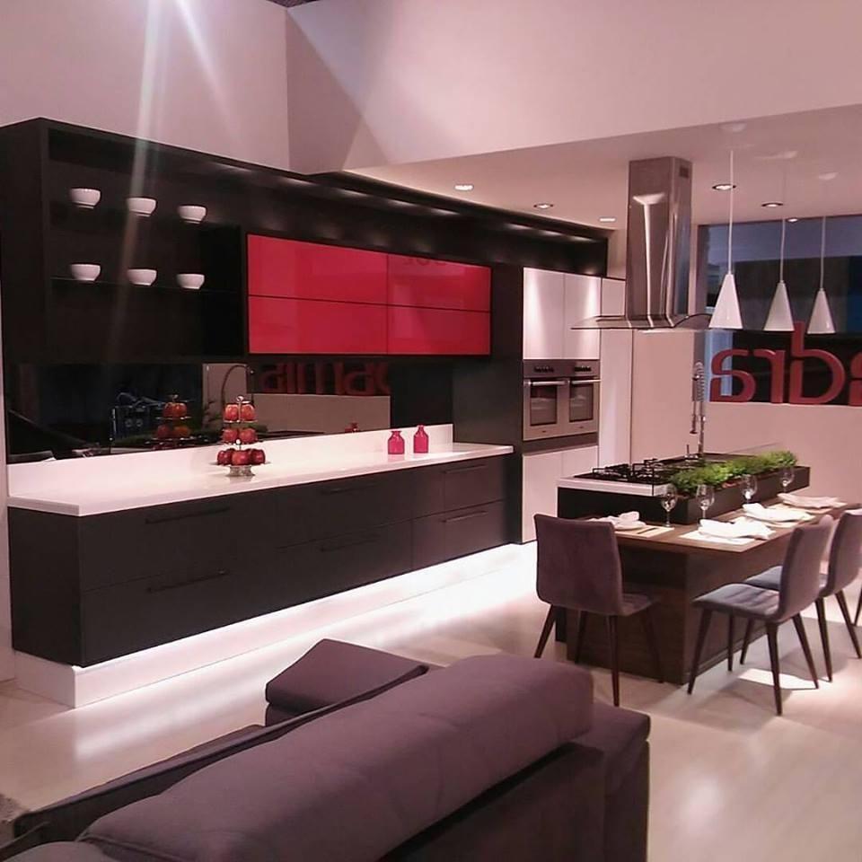 Cozinha Moderna Com Portas Vermelhas De Rosangela Rom O 123920 No