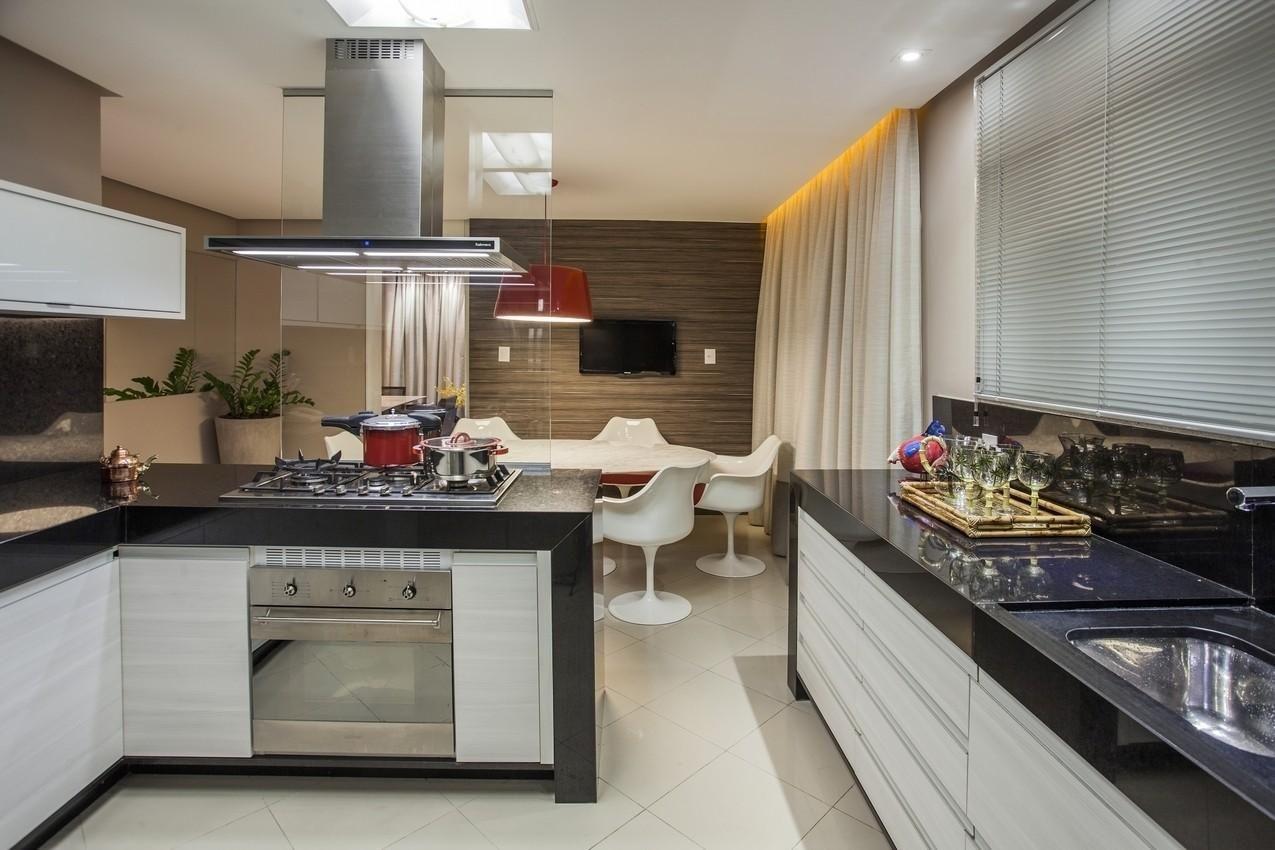 Cozinha Pequena Com Coifa Metalica De Sandoval Ferreira Neto 28043