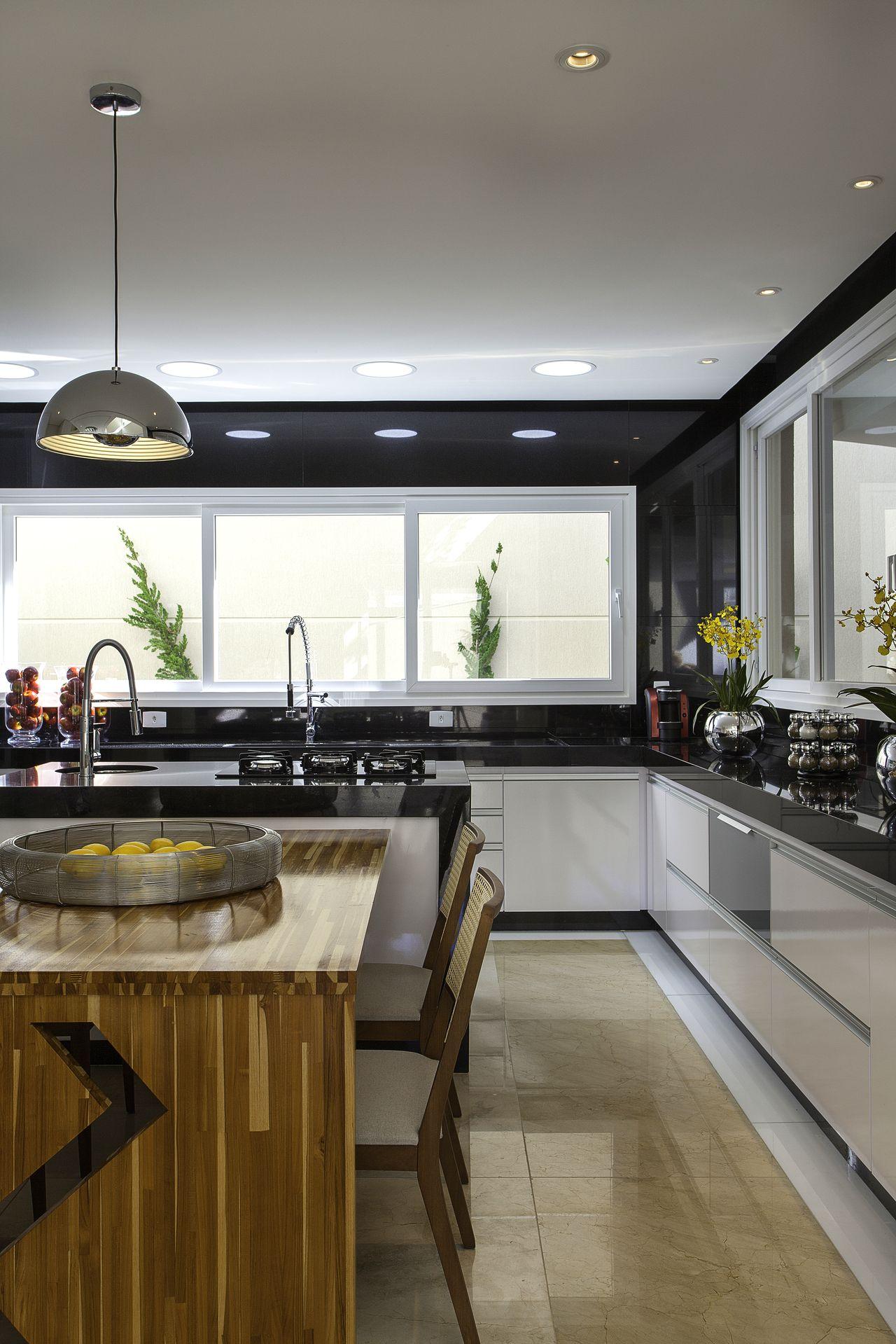 Cozinha Gourmet Com Mesa De Madeira E Ilha De Iara Kilaris 159090
