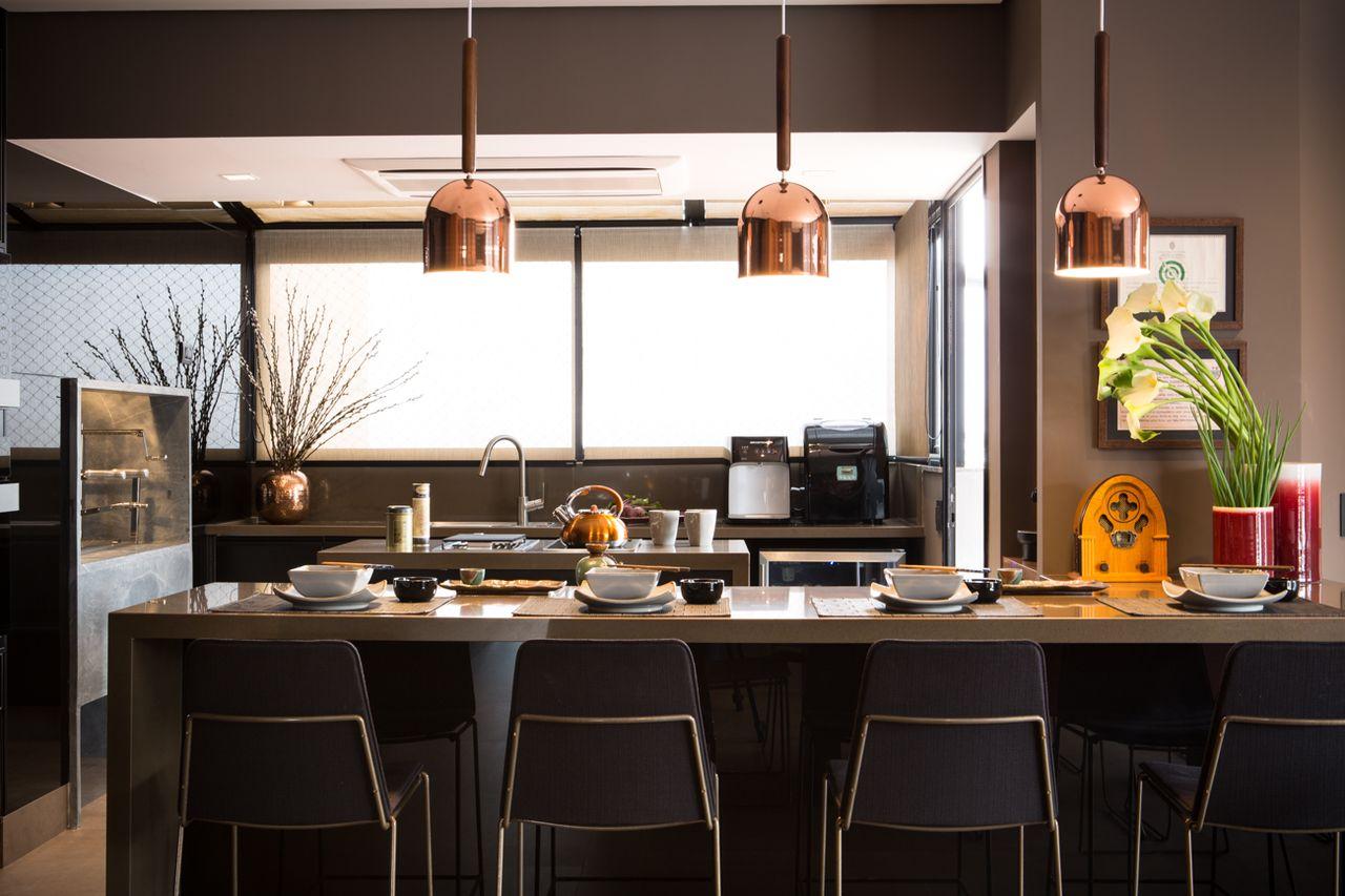 Cadeiras Preta E Pendentes Cobre De Batistelli Arquitetura E Design