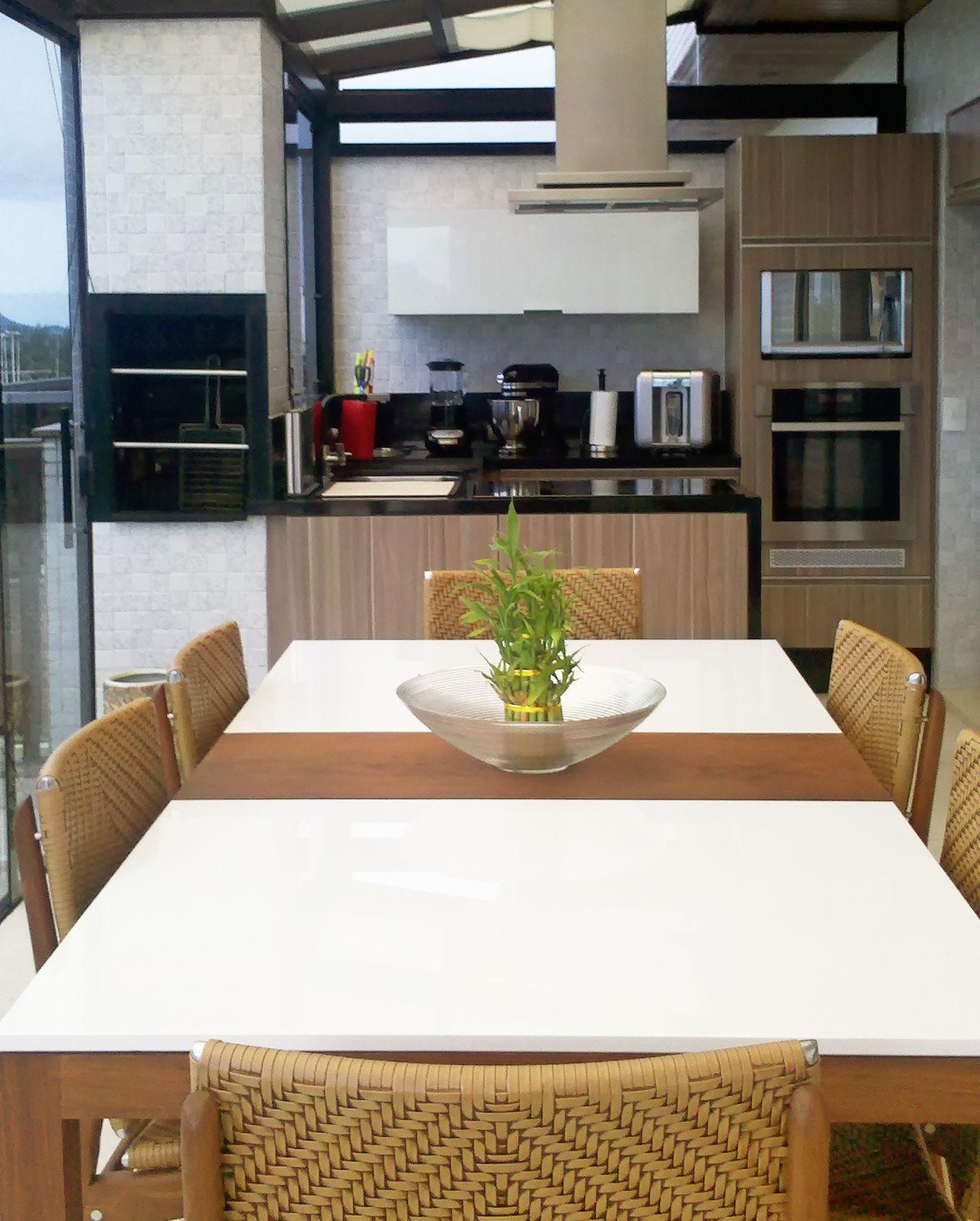 Cozinha Gourmet Com Ladrilho Texturizado De Patricia Tavares
