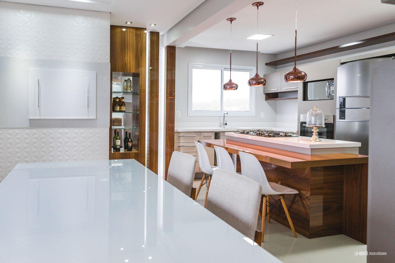 Ilha Na Cozinha E Pendentes Cobre De Atrio Engenharia E Arquitetura