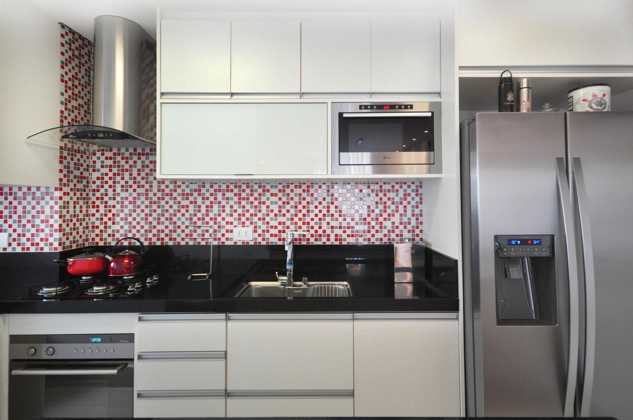 Arm Rios Branco E Pastilhas Em Tons De Vermelho De Condecorar  ~ Cozinha Cinza Com Vermelho