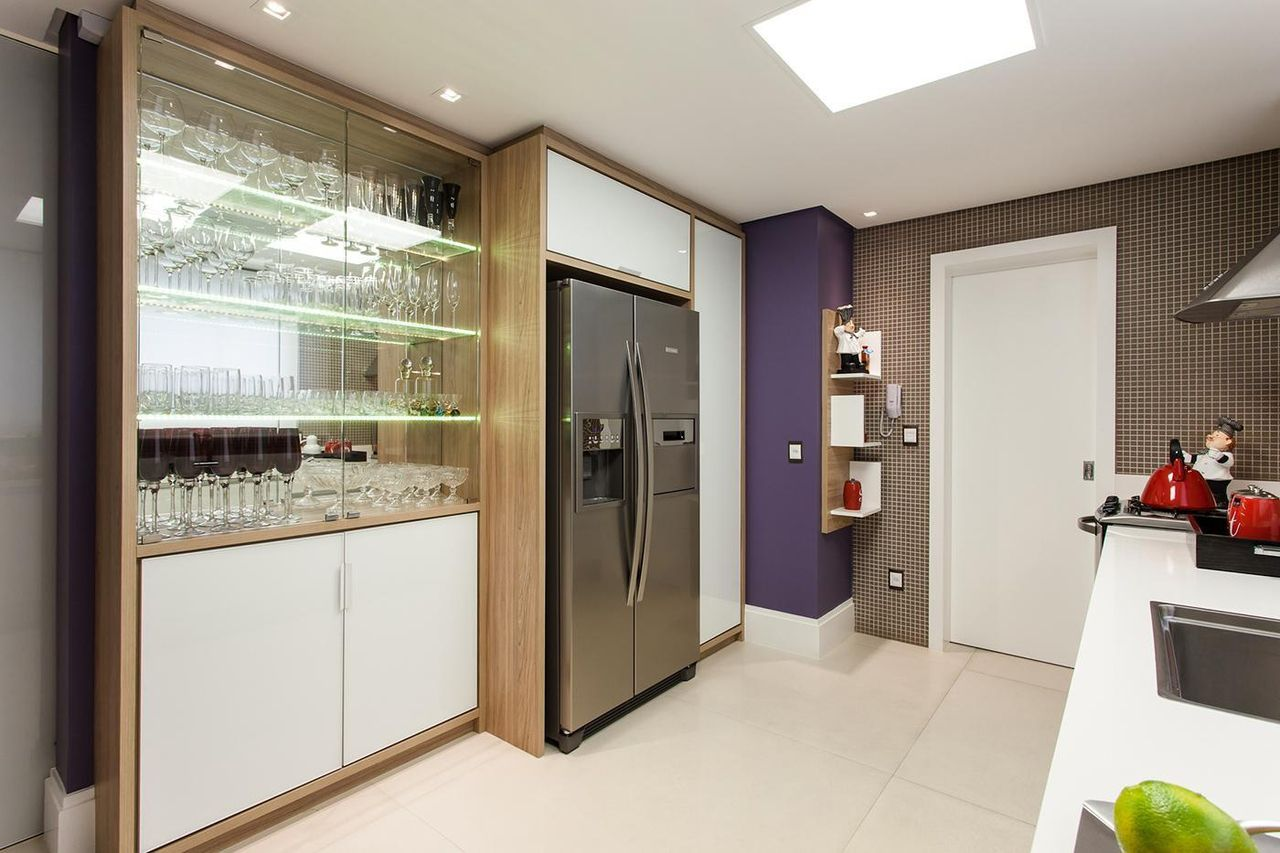 Cozinha Planejada Com Cristaleira De Juliana Pippi 70133 No Viva