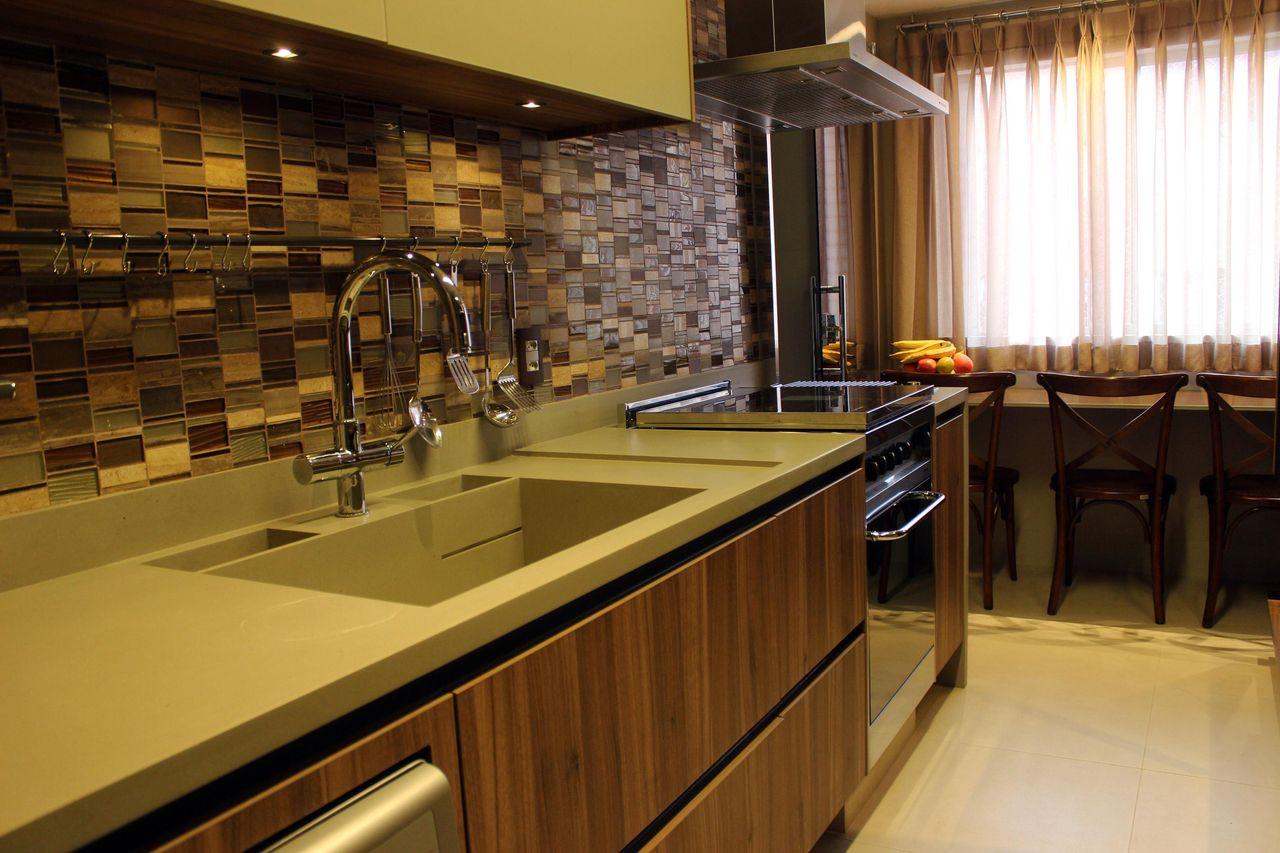 Cozinha Planejada Com Pastilha De Vidro De Patr Cia Medeiros