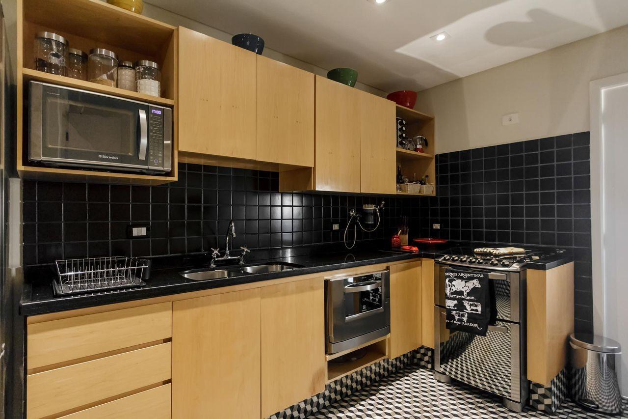 Cozinha Planejada Com Revestimento Preto De Fernanda Duarte 64819