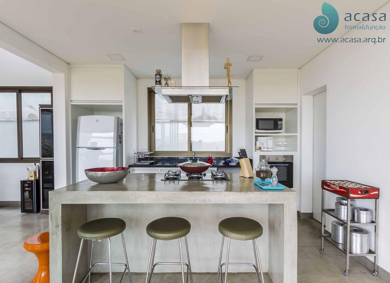 Cozinha Branca Com Ilha E Cooktop De Acasa Forma Fun O 137754 No