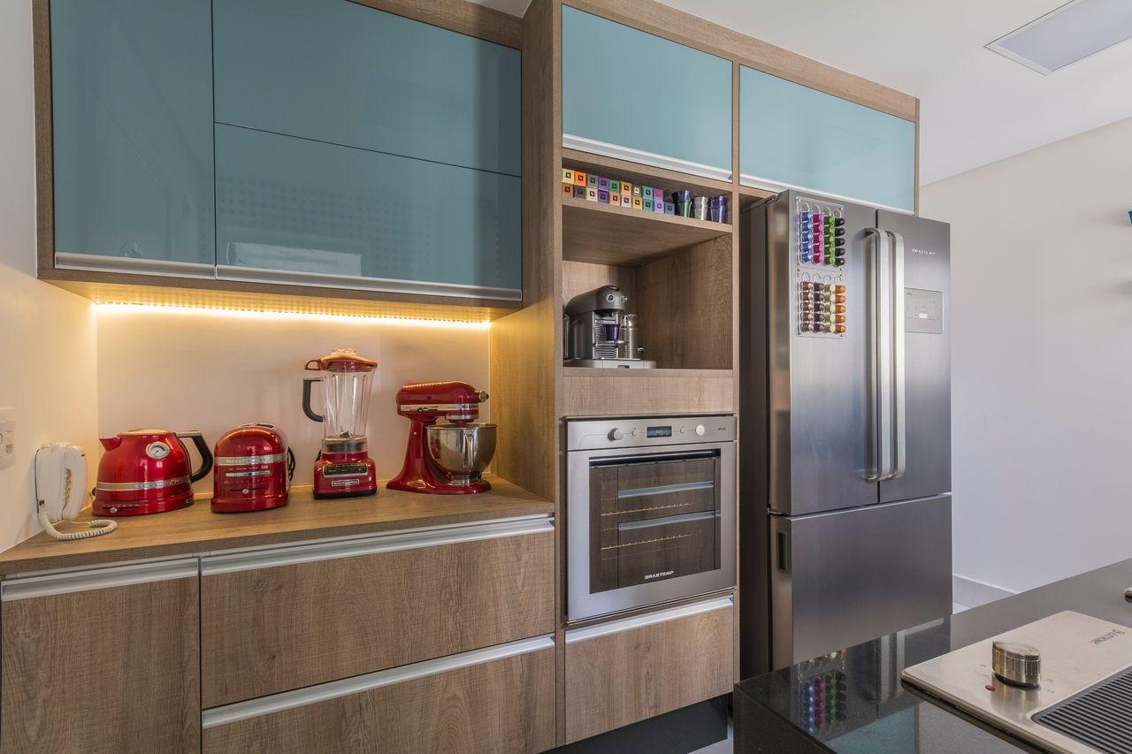 Cozinha Com Arm Rio Turquesa E Fita De Led De Idealizzare Arquitetos
