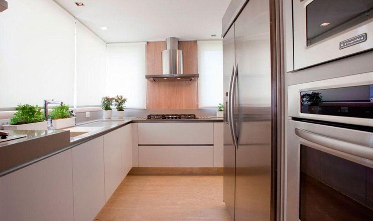 Cozinha Com Coifa E Arm Rios Brancos De Renata Florenzano 27186 No