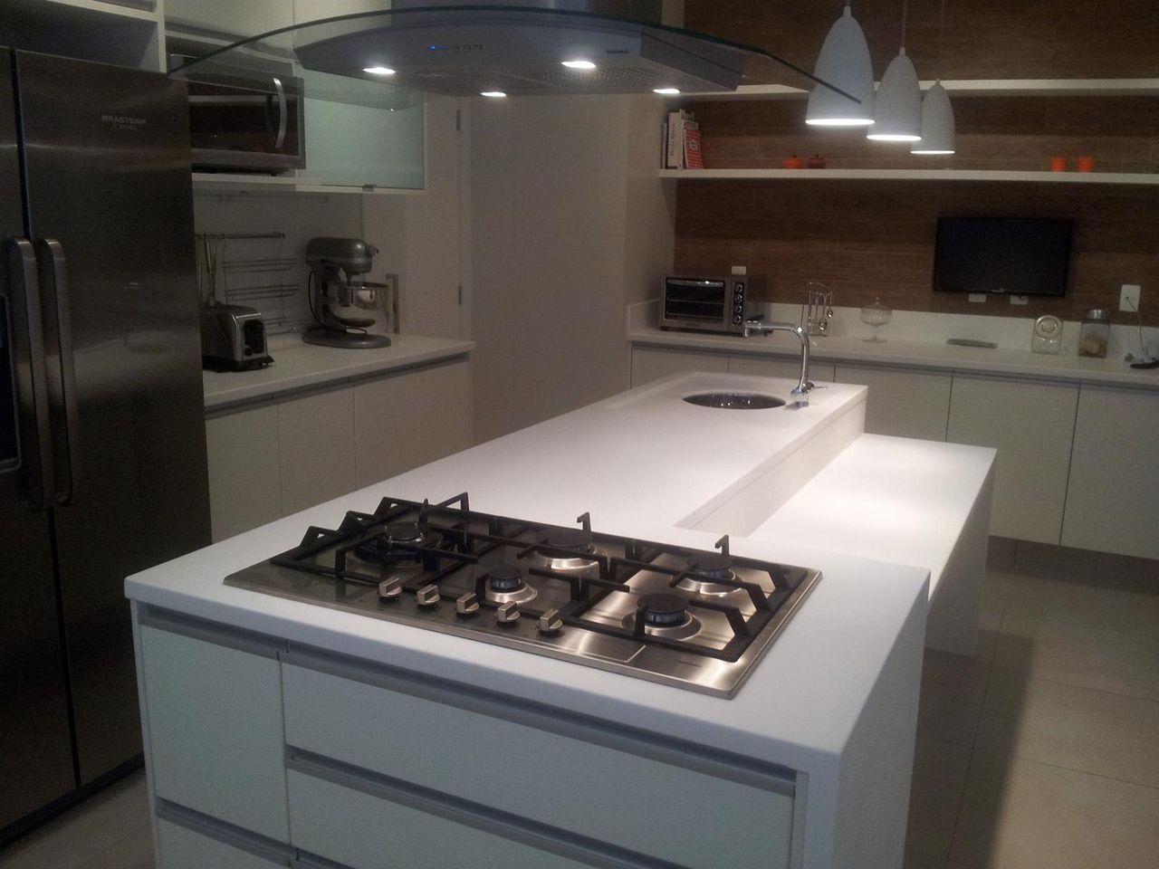 Cozinha Com Ilha Branca De Sergio Carvalho Ramos 47036 No Viva Decora