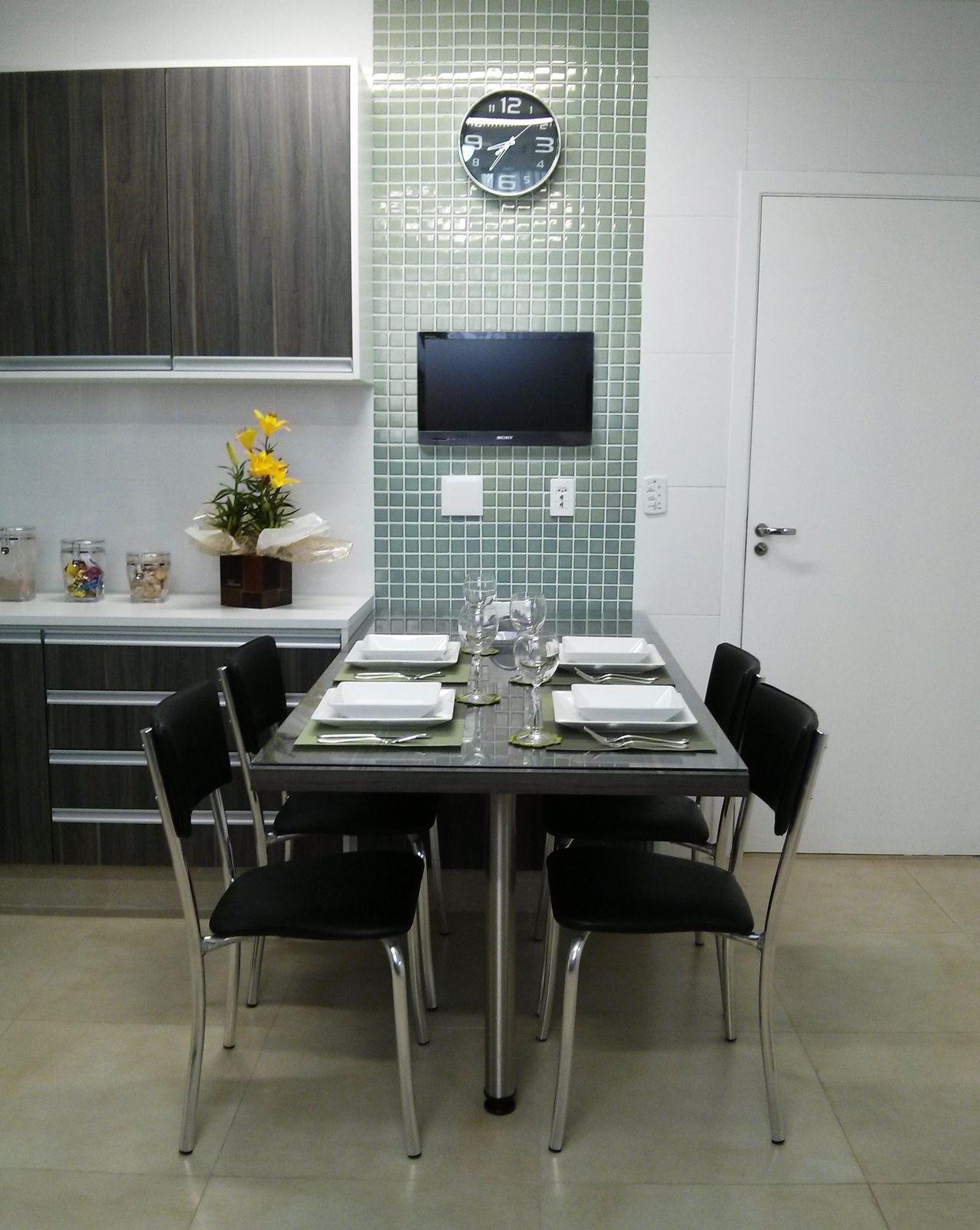 Cozinha Com Mesa Quadrada E Cadeira Preta De Juliana Moreno 61819