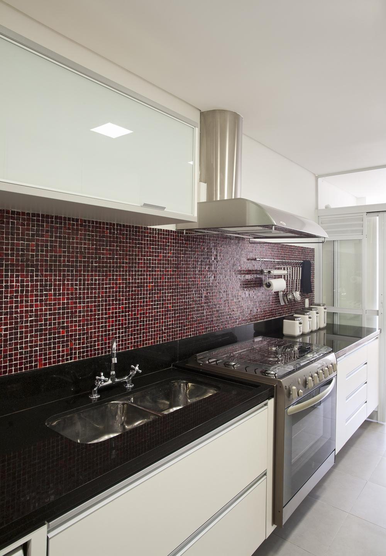 Cozinha Com Pastilhas De Vidro De Paula Bittar 25227 No Viva Decora