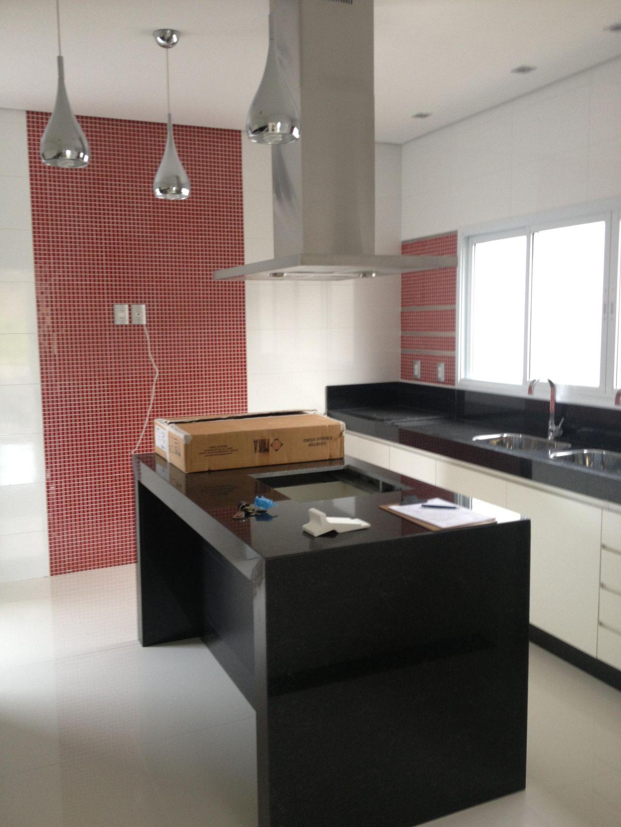 Cozinha Com Pastilhas De Vidro Vermelhas De Camila Amaral 35222 No