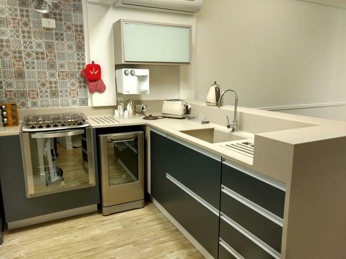 Cozinha Neutra Com Azulejos Decorativos De Ana Laura Wolcov 139267
