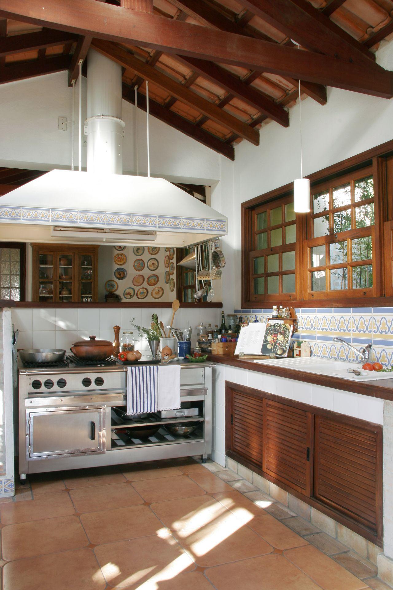 Cozinhas Rusticas Com Ilha Modelos De Cozinha Rstica With Cozinhas