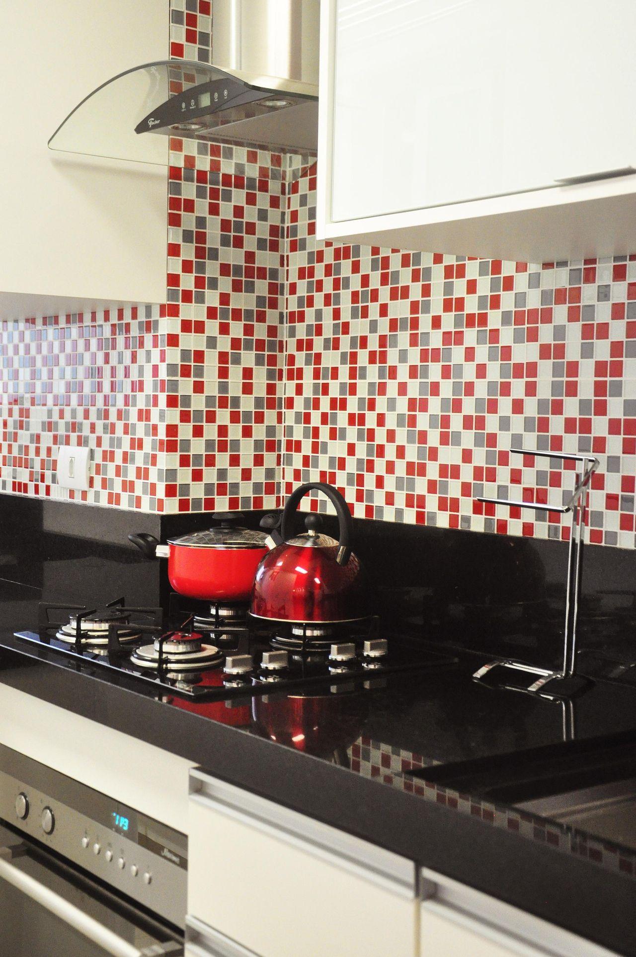 Pastilhas Com Tons De Cinza E Vermelho De Condecorar Arquitetura E  ~ Cozinha Cinza Com Vermelho