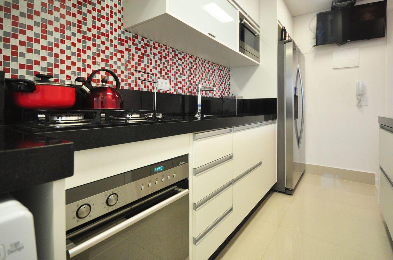 Pastilhas Em Tons De Vermelho E Cinza De Condecorar Arquitetura E  ~ Cozinha Cinza Com Vermelho