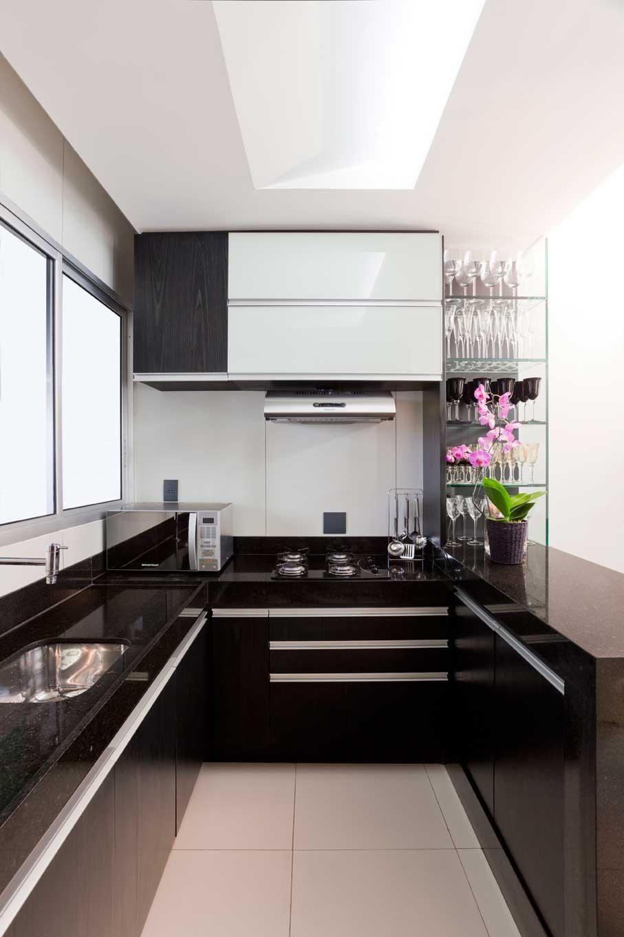 Cozinha Planejada Preto E Branco De Luis Fabio Rezende De Araujo